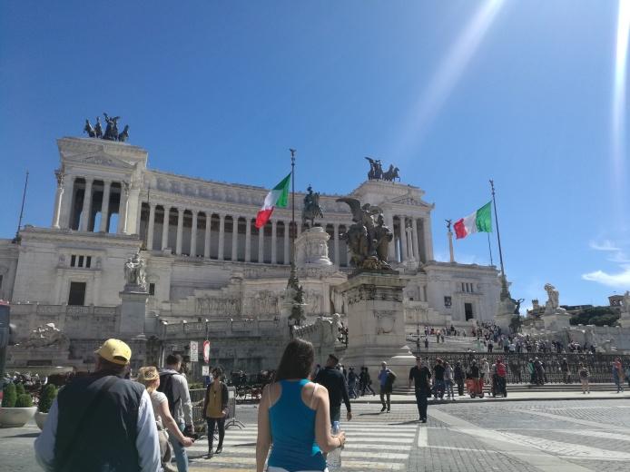 Llegando a Piazza Venecia