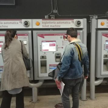 dos billetes para la metro