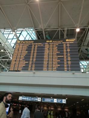El board de salidas internacionales de Fiumicino