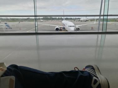 Esperando el avión -ese no era